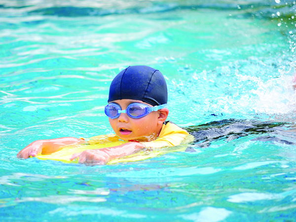 Swimming active life ltd for Swimming images