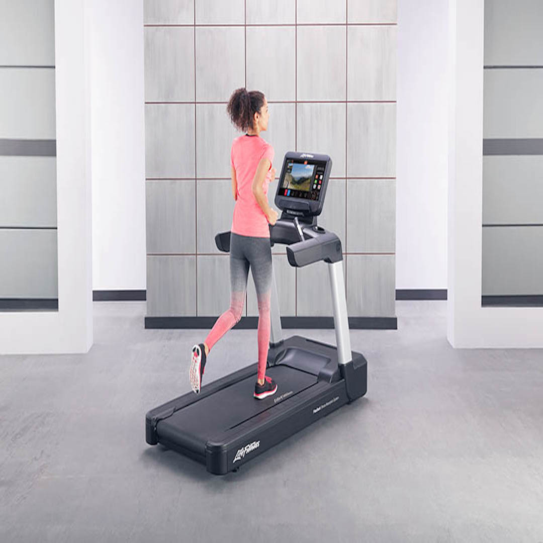 Integrity-Treadmill-SE3 HD-Console-Lady-Running-Standard-View-345
